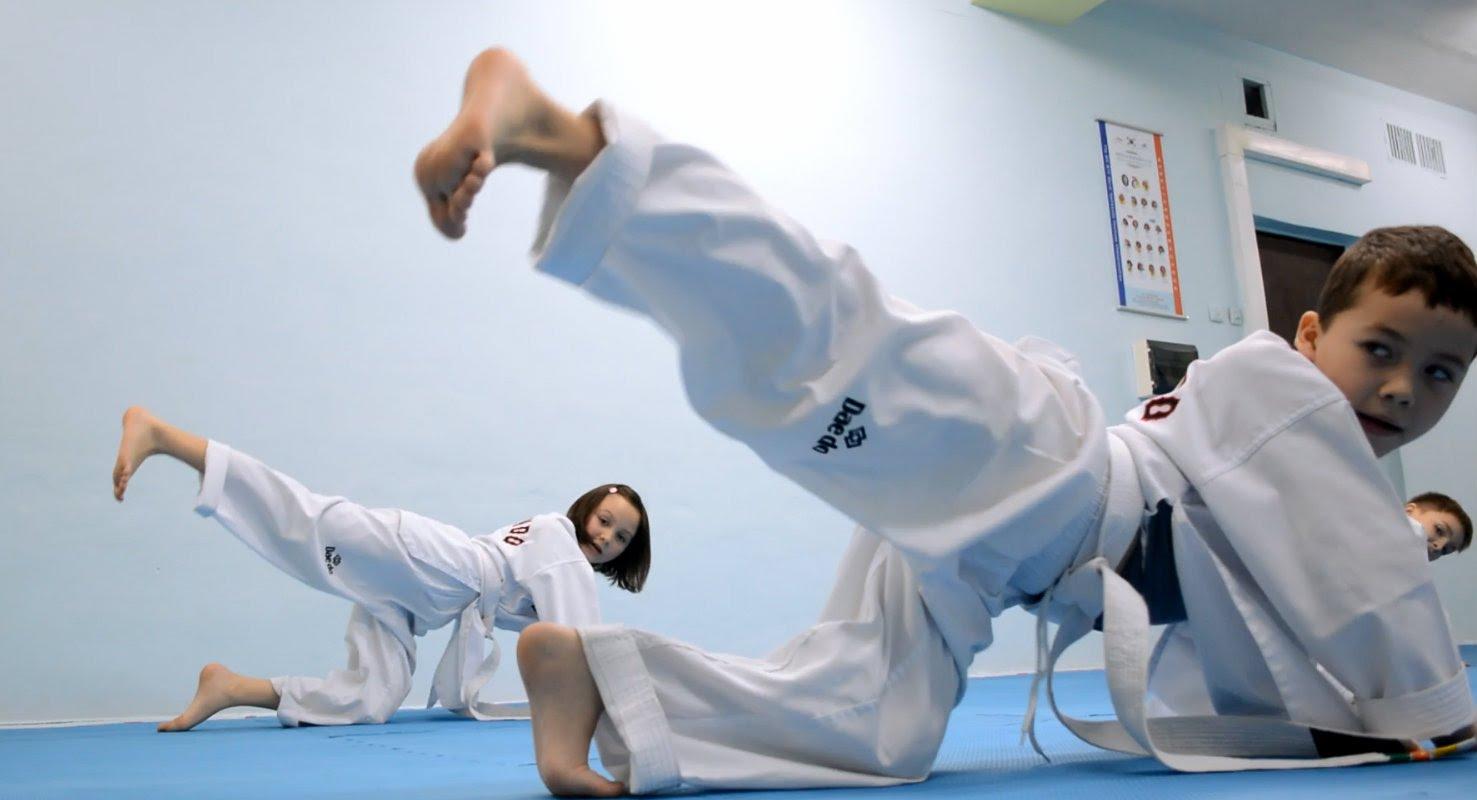 часто представляют тренироваться каратэ по картинками карниз для штор